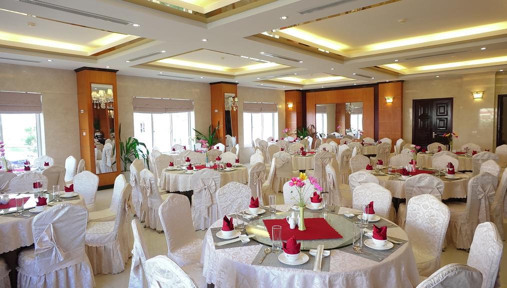 Nhà Hàng khách sạn golden hạ long