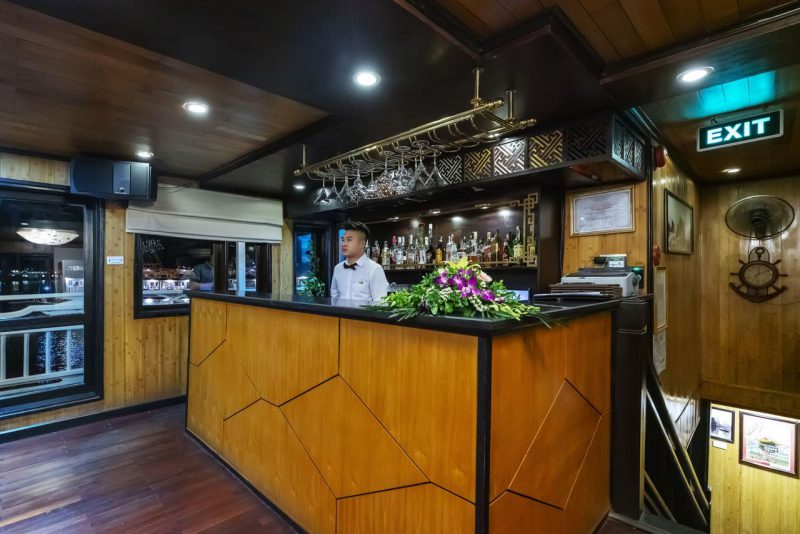 Bar ở Du thuyền