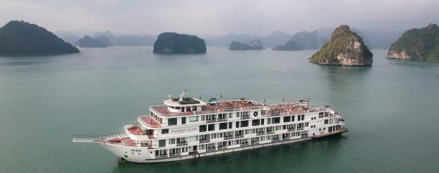 Du thuyền president trên vịnh Hạ Long