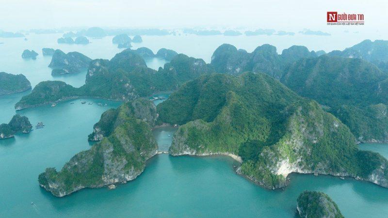 Ngắm Vịnh Hạ Long tuyệt đẹp trên thủy phi cơ